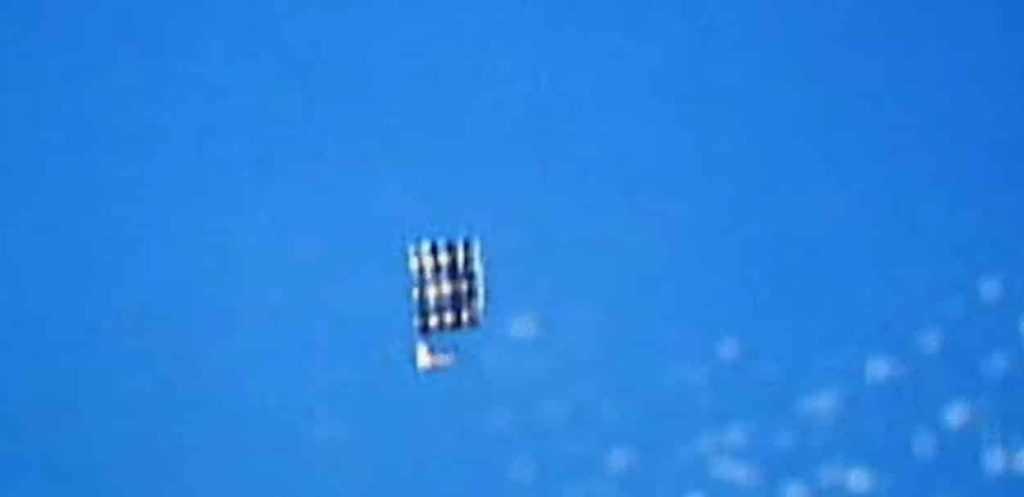 НЛО в космосе видео